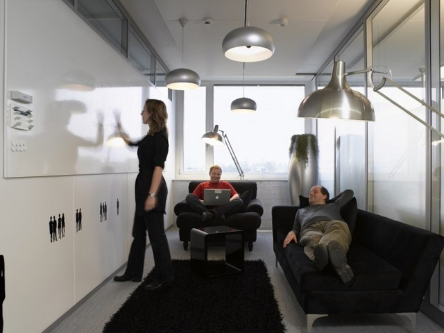 http://officesnapshots.com/2012/02/17/awesome-previously-unpublished-photos-of-google-zurich/ (232)