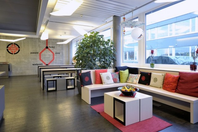 http://officesnapshots.com/2012/02/17/awesome-previously-unpublished-photos-of-google-zurich/ (241)
