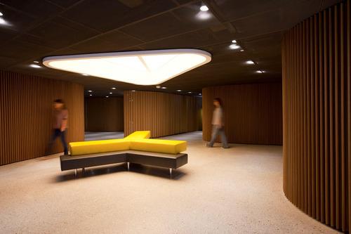 http://design-ideas.tumblr.com/post/46787383986/sahibinden-com-office (352)