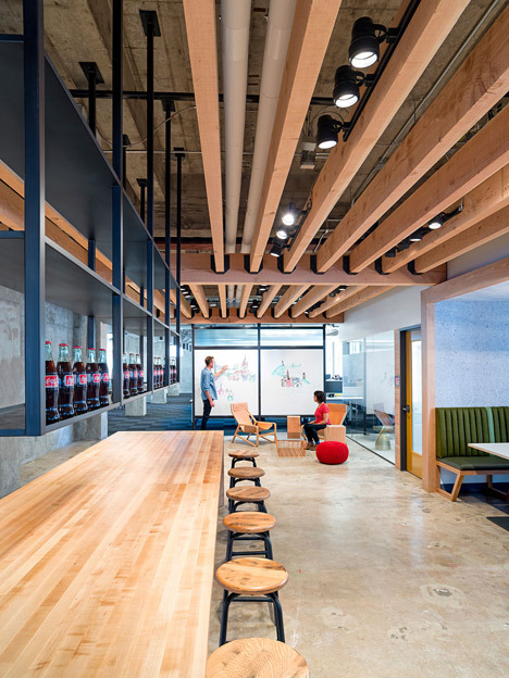 http://www.dezeen.com/2014/06/17/yelp-headquarters-san-francisco-studio-oa/ (440)