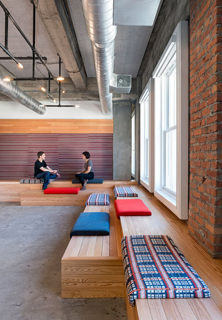 http://www.dezeen.com/2014/06/17/yelp-headquarters-san-francisco-studio-oa/ (450)