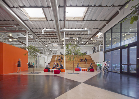 http://www.dezeen.com/2013/11/11/fox-head-offices-arranged-like-a-city-street-by-clive-wilkinson-architects/ (1037)