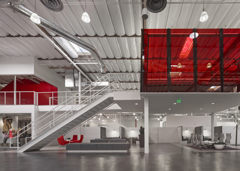 http://www.dezeen.com/2013/11/11/fox-head-offices-arranged-like-a-city-street-by-clive-wilkinson-architects/ (1039)