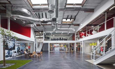 http://www.dezeen.com/2013/11/11/fox-head-offices-arranged-like-a-city-street-by-clive-wilkinson-architects/ (1041)