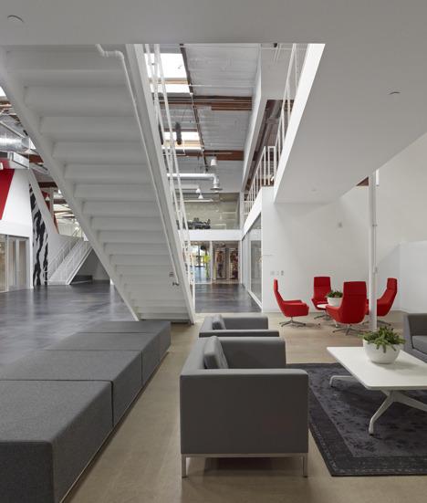 http://www.dezeen.com/2013/11/11/fox-head-offices-arranged-like-a-city-street-by-clive-wilkinson-architects/ (1044)