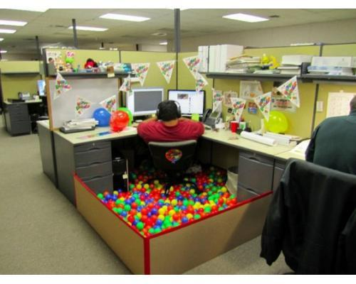 April Fool's at the office (3211)