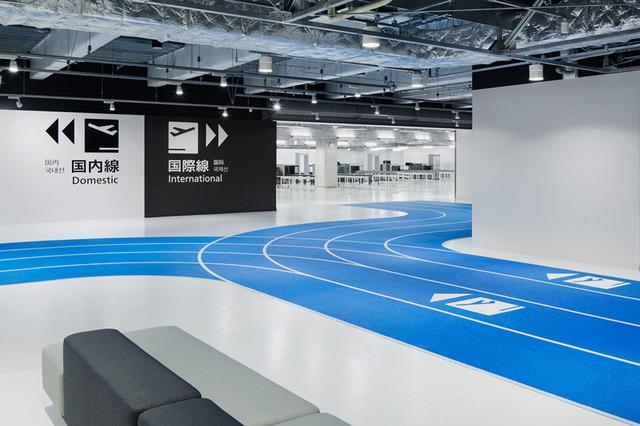 narita airport's new terminal has color-coded running tracks (5944)