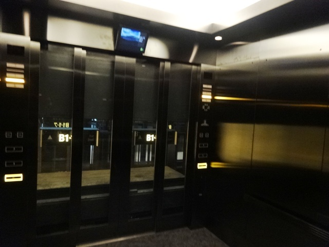 70人乗りの巨大エレベーター