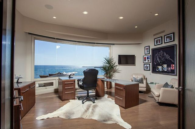Home Offices with an Ocean View (7038)