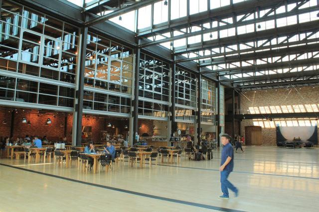 Inside Pixar Studios | Blender Guru (7395)