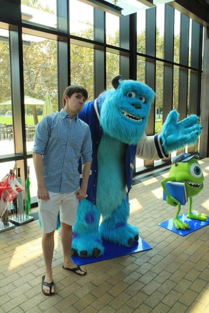 Inside Pixar Studios | Blender Guru (7403)