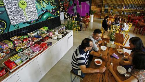 Tour of Facebook Singapore Office - Singapore Forums by SGClub.com (7587)