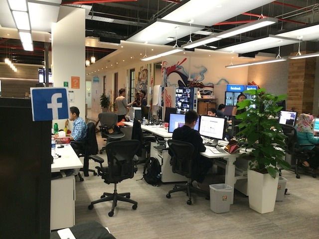 A sneak peek inside Facebook's office in Singapore! (7617)