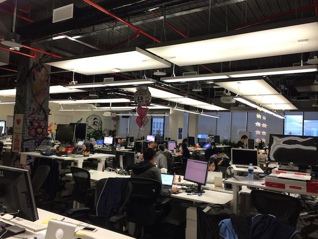 A sneak peek inside Facebook's office in Singapore! (7624)