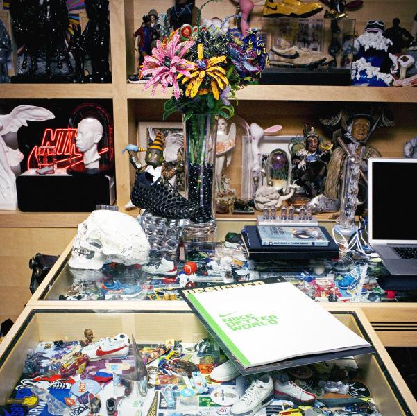 Amazing Office of Nike CEO  (35 pics) - Izismile.com (10275)