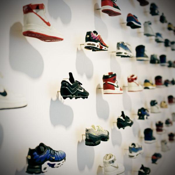 Amazing Office of Nike CEO  (35 pics) - Izismile.com (10288)