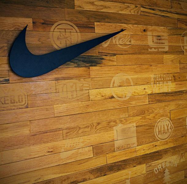 Amazing Office of Nike CEO  (35 pics) - Izismile.com (10333)