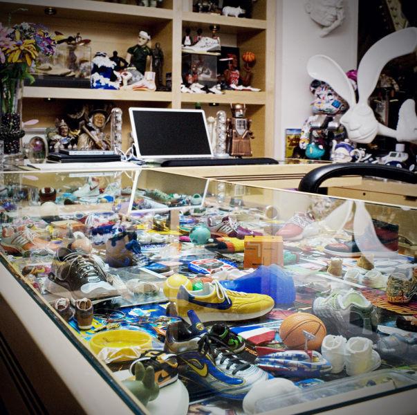 Amazing Office of Nike CEO  (35 pics) - Izismile.com (10336)