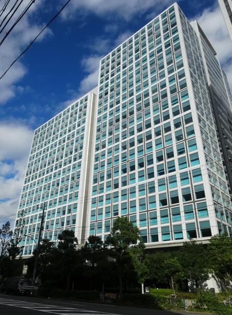 品川シーサイドパークタワー外観(左)