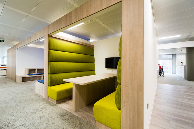 Lonely Planet - London Offices - Office Snapshots (11232)