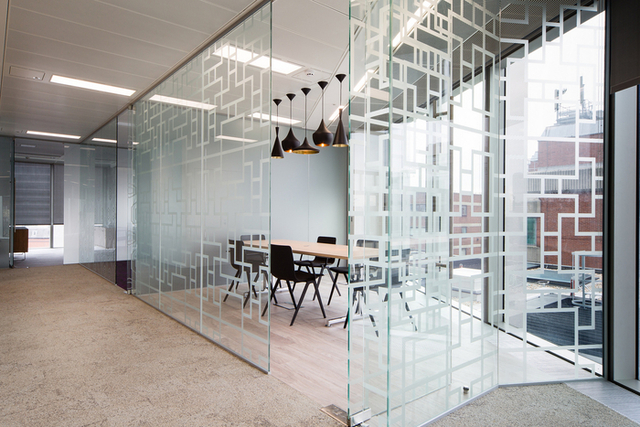 Lonely Planet - London Offices - Office Snapshots (11234)
