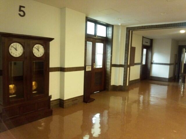 市政会館 エレベーターホール