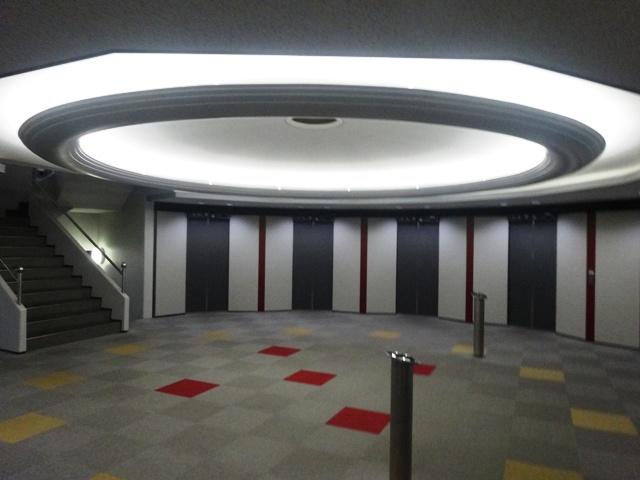 円形のエレベーターホール