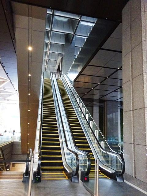京橋エドグラン~オフィスエントランスへの導線