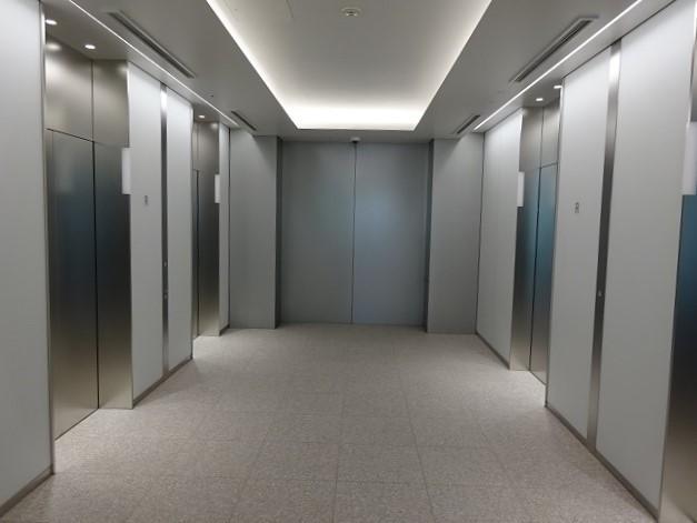 GINZA SIX オフィスのEVホール