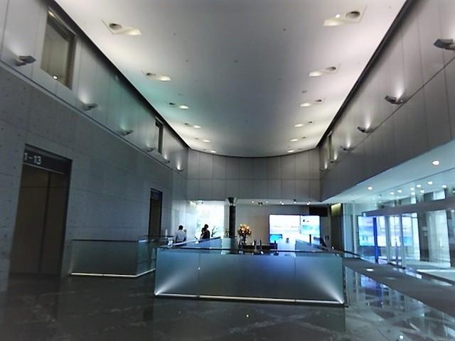 シーバンスS館エントランスホール