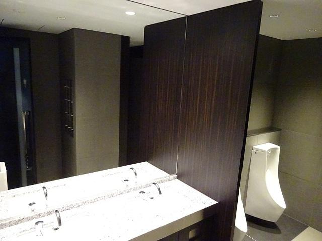 PMO渋谷 男子トイレ