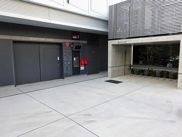 oak神田鍛冶町 駐車場と駐輪場