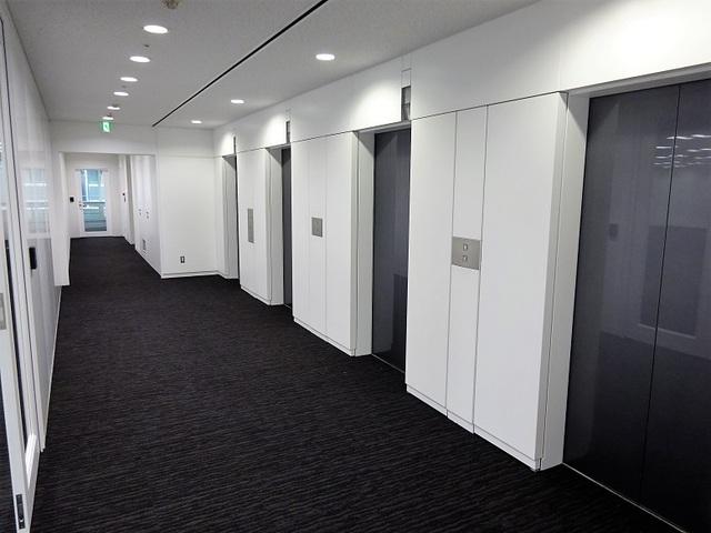 HSBCビル エレベーターホール