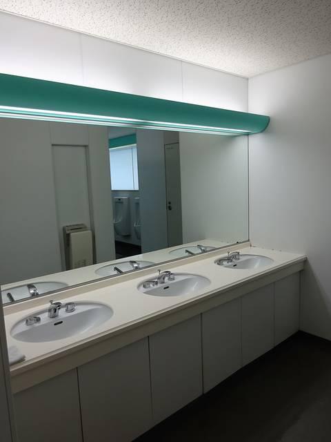 晴海トリトンスクエアオフィスタワーY棟 男子トイレ