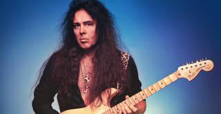 スウェーデンのギタリストYNGWIE J. MALMSTEENがTHE BEATLESのカヴァー「While My Guitar Gently Weeps」をストリーミング公開