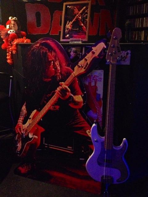 ヨコセンがUNITEDでメインに使っていた3弦ベース