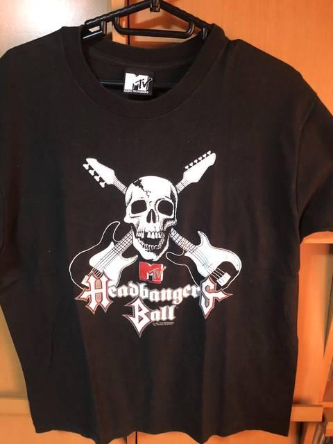 HEADBANGERS BALLのTシャツ。