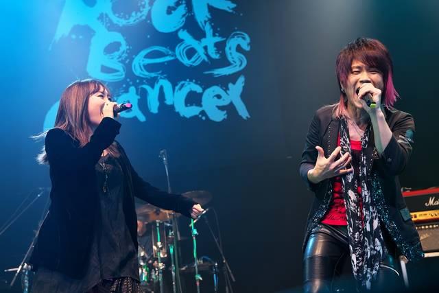 奥井雅美(左)&きただにひろし(右)