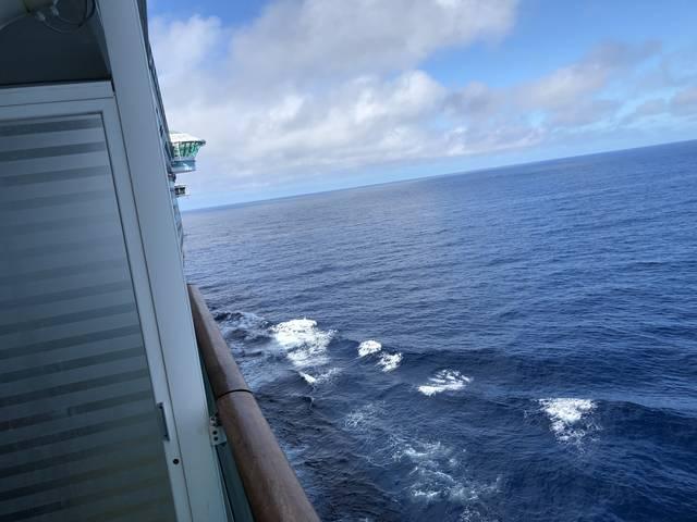 部屋から見た航海中の風景。