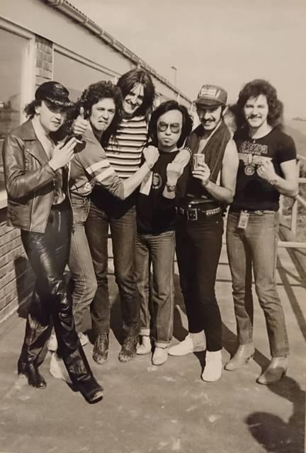 1980年8月16日、モンスターズ・オブ・ロックのバッ...
