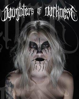 メタル写真家ジェレミー・サファーの女性コープス・ペイント写真集『Daughters Of Darkness』が10月出版!