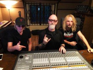 JUDAS PRIESTのRob Halford、Glenn Tipton、Richie Faulknerの3人は曲作りの真っ最中!