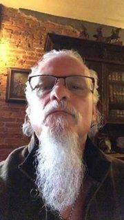 ICED EARTHのジョン・シェイファーは本の出版とレコード会社設立を計画!