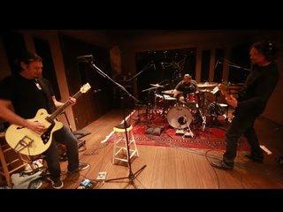 BON JOVIのギタリスト、フィルXのバンドPHIL X & THE DRILLSがGolden Robot Recordsと契約