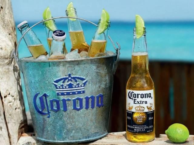 横浜と池袋で、ハワイアンメニューとコロナビールを楽しめる特別プランを実施