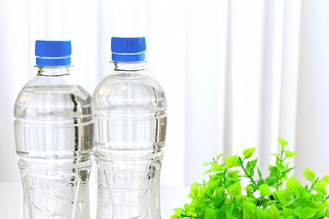 水とお茶、どっちが正解? 一人暮らしで常備しておきたい飲み物はコレ!