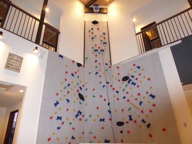 高さ8mのボルダリング付きのシェアハウス