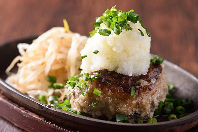 とろける食感とあふれる肉汁が味わえる「飲めるハンバーグ」