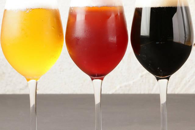 「クラフトビール飲み比べ3種セット」980円(税別)