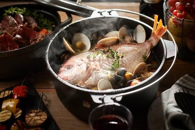 アクアパッツァなどダッチオーブンを使ったプランも